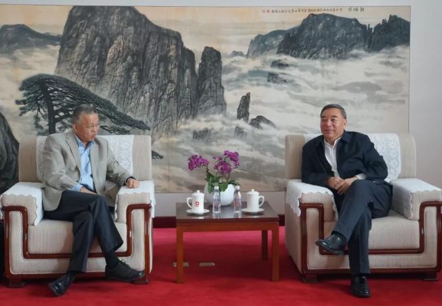 麻省理工学院陈刚教授应邀访问中国建材集团